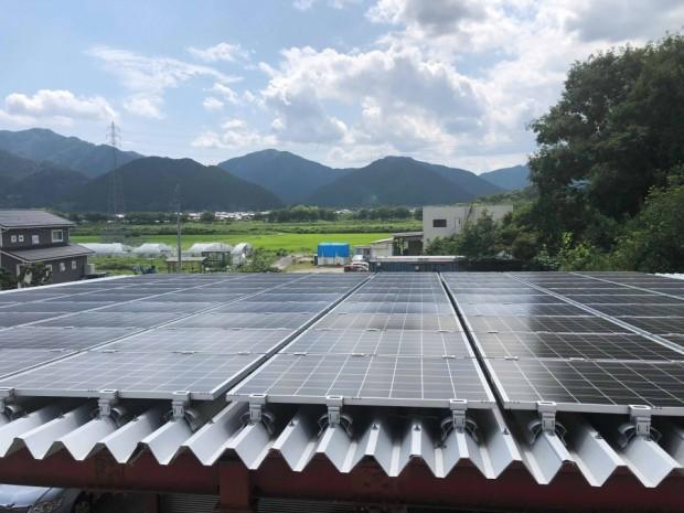 太陽光発電で電気を作ります