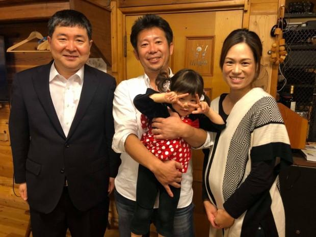 明橋先生が「村」に来られた記念に、家族と